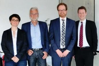 Julia Grimm (Markentechnik Consulting), Prof. Hans-Dieter Ruge (FH Westküste), Henning Meyer (Markentechnik Consulting), Ken Blöcker (Unternehmensverband Unterelbe-Westküste)